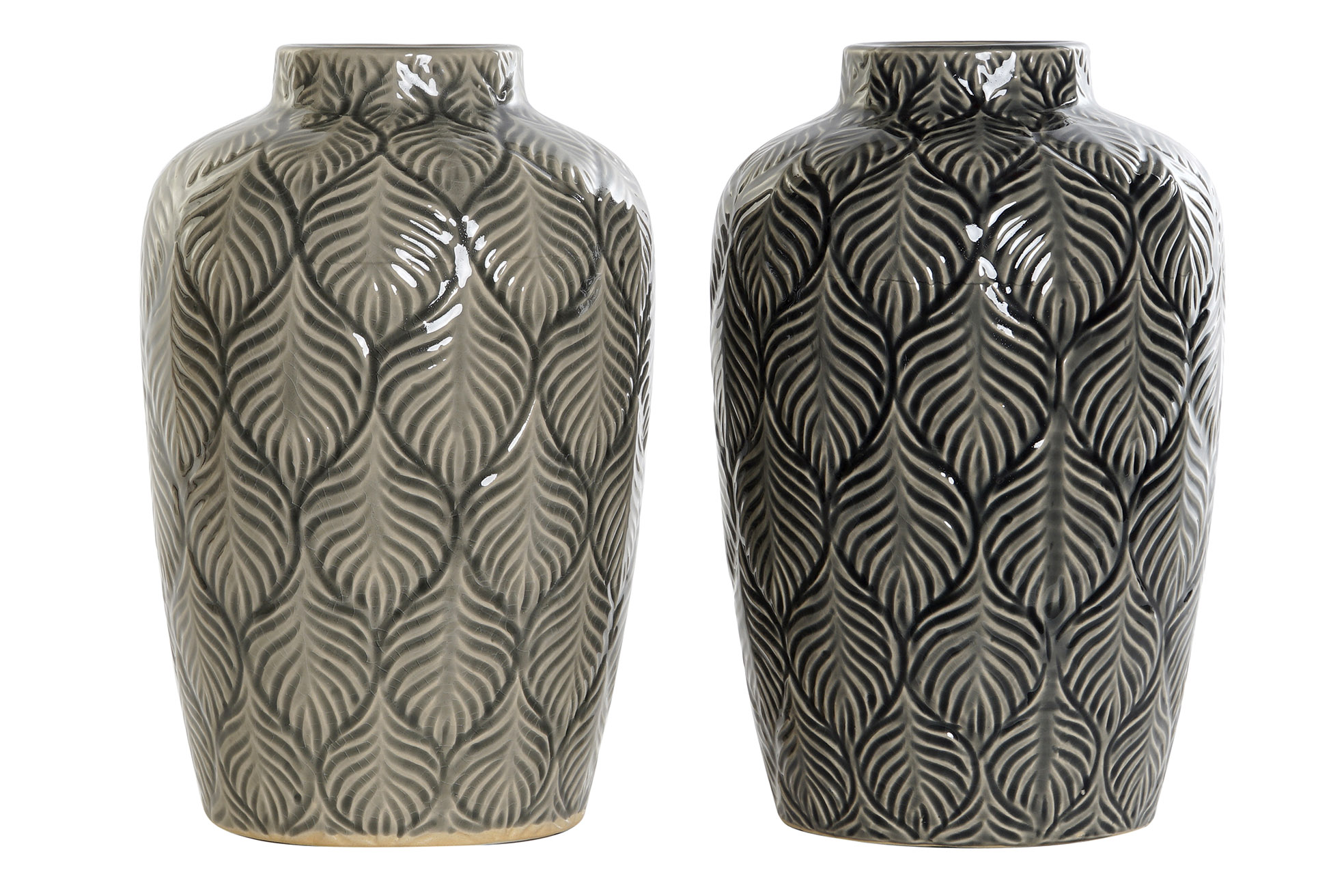 Vase i keramik med bladmønster