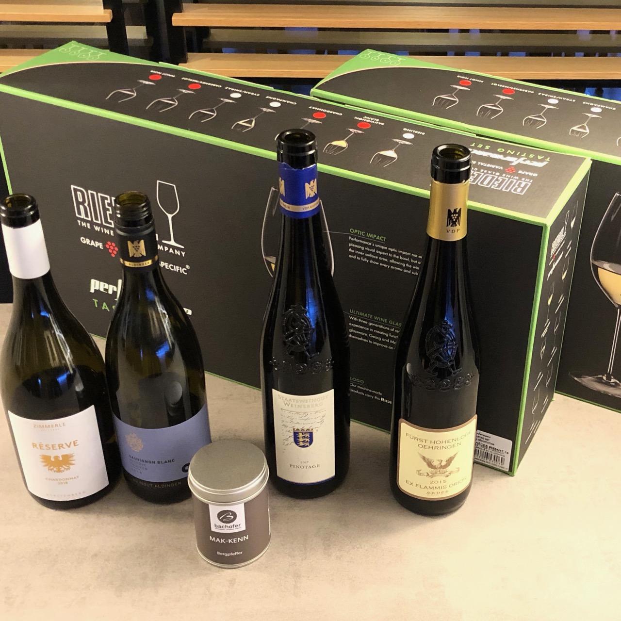 """BARRIQUE-WEIN + GLÄSER-FREUDE: WineTastingClub Geniesser-Paket """"No. 3"""" mit 4 Spitzen-Weinen + 2 x 4 RIEDEL-GLÄSERN + Geschenk!"""