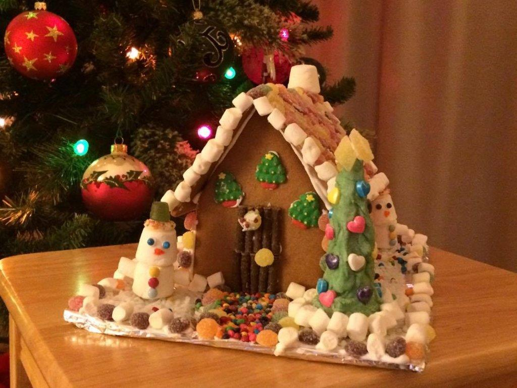 Gingerbread Houses - Shute Fruit