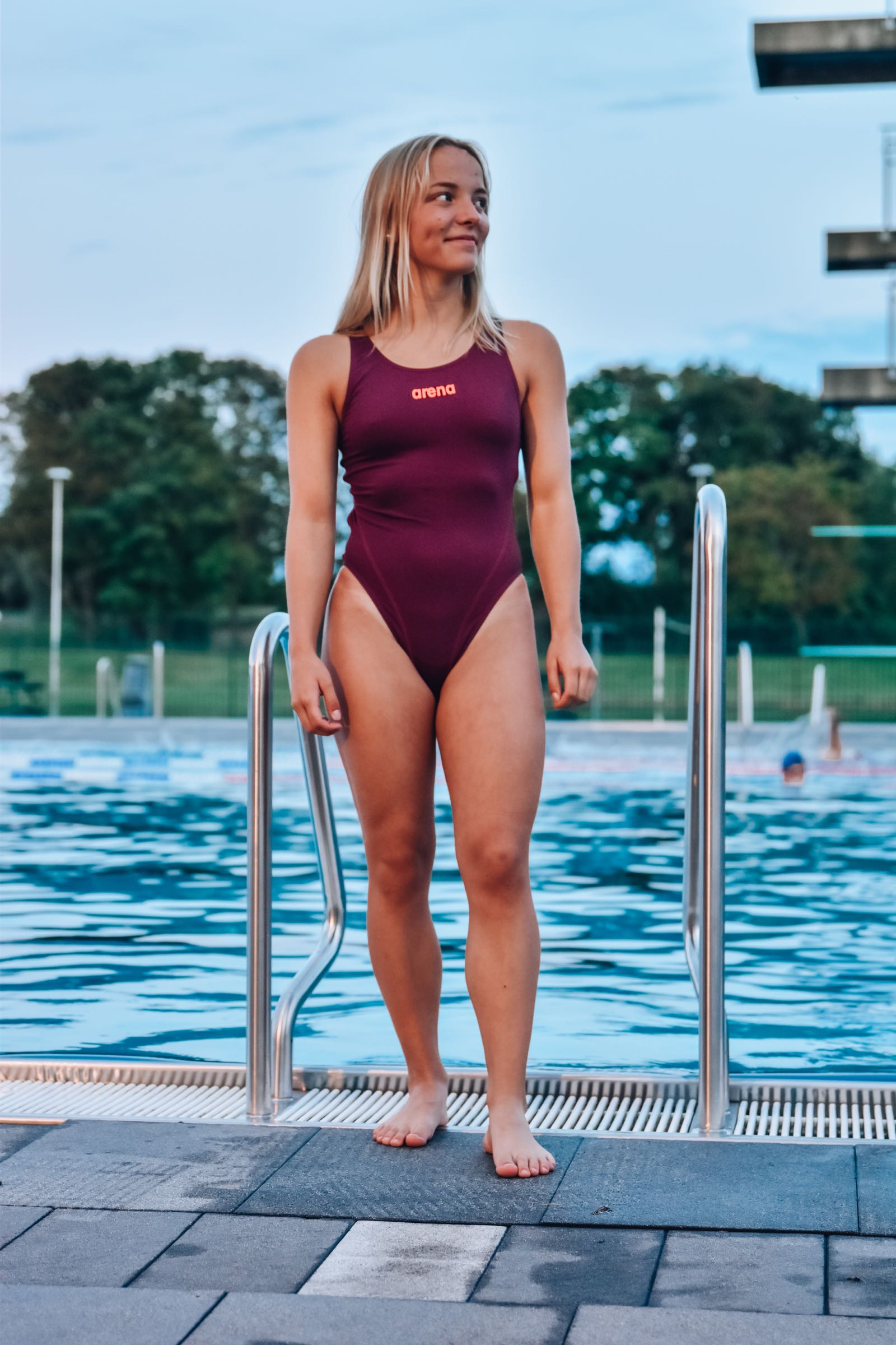 Arena Solid Swim Tech High Red Wine/Pink