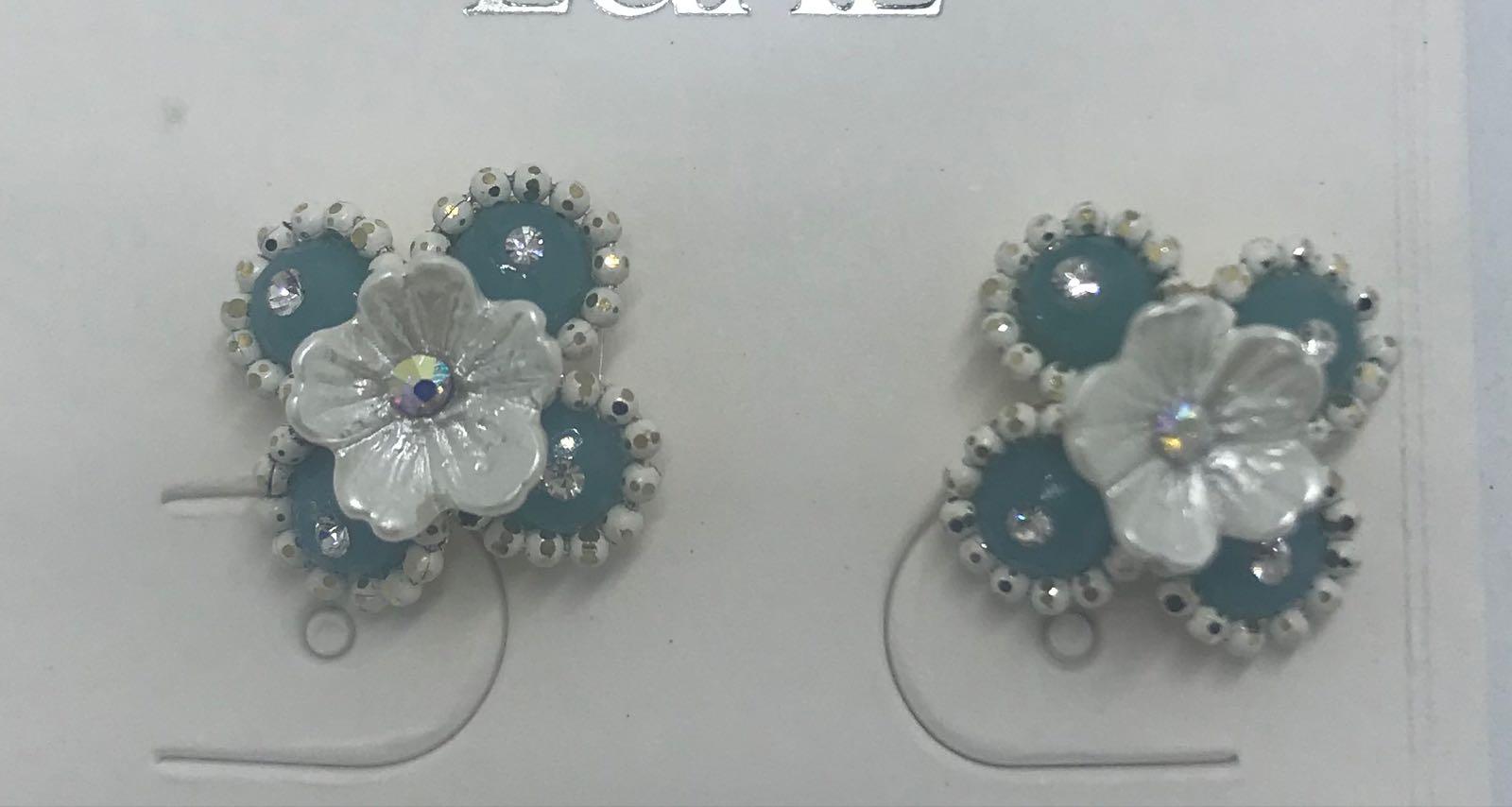Life Charms flower stud earrings