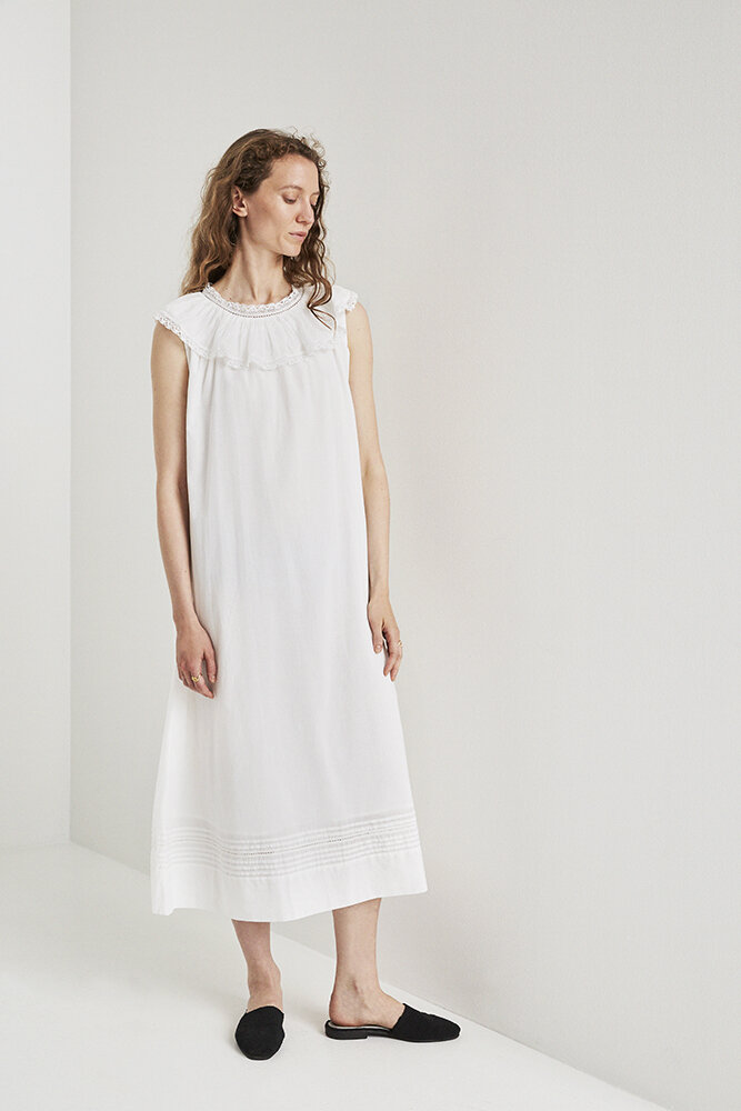 MEADOW DRESS WHITE
