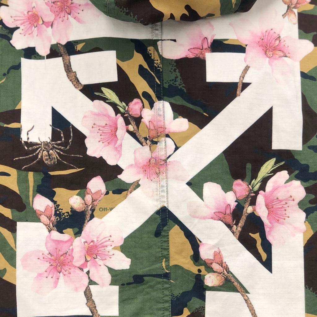 Off-White camo flower parkas SV5082