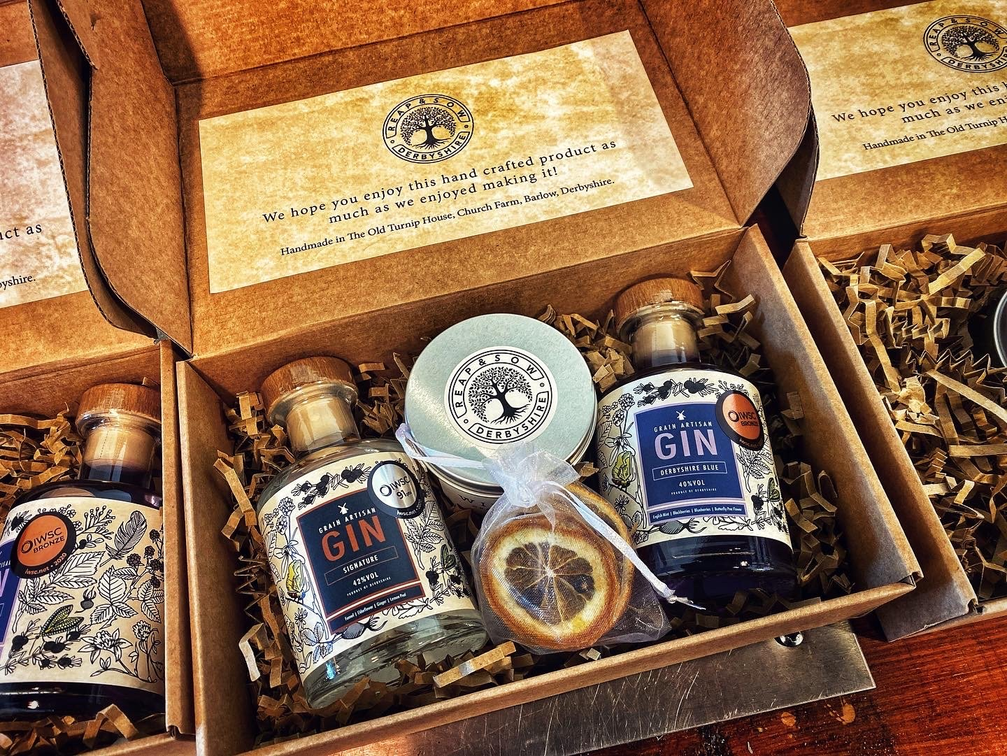 Grain Artisan Gift Box- Signature London Dry Gin 20cl, Derbyshire Blue Gin 20cl, Hand Poured Winter Spice Candle