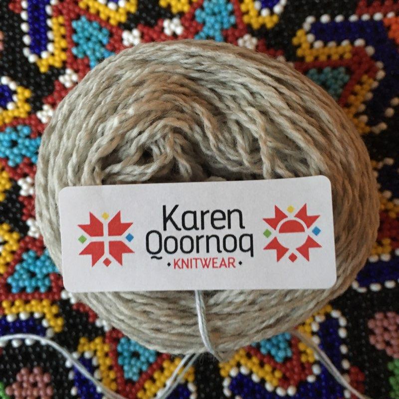 Moskus-Merinogarn fra Karen Qoornoq Knitwear, 240 gram