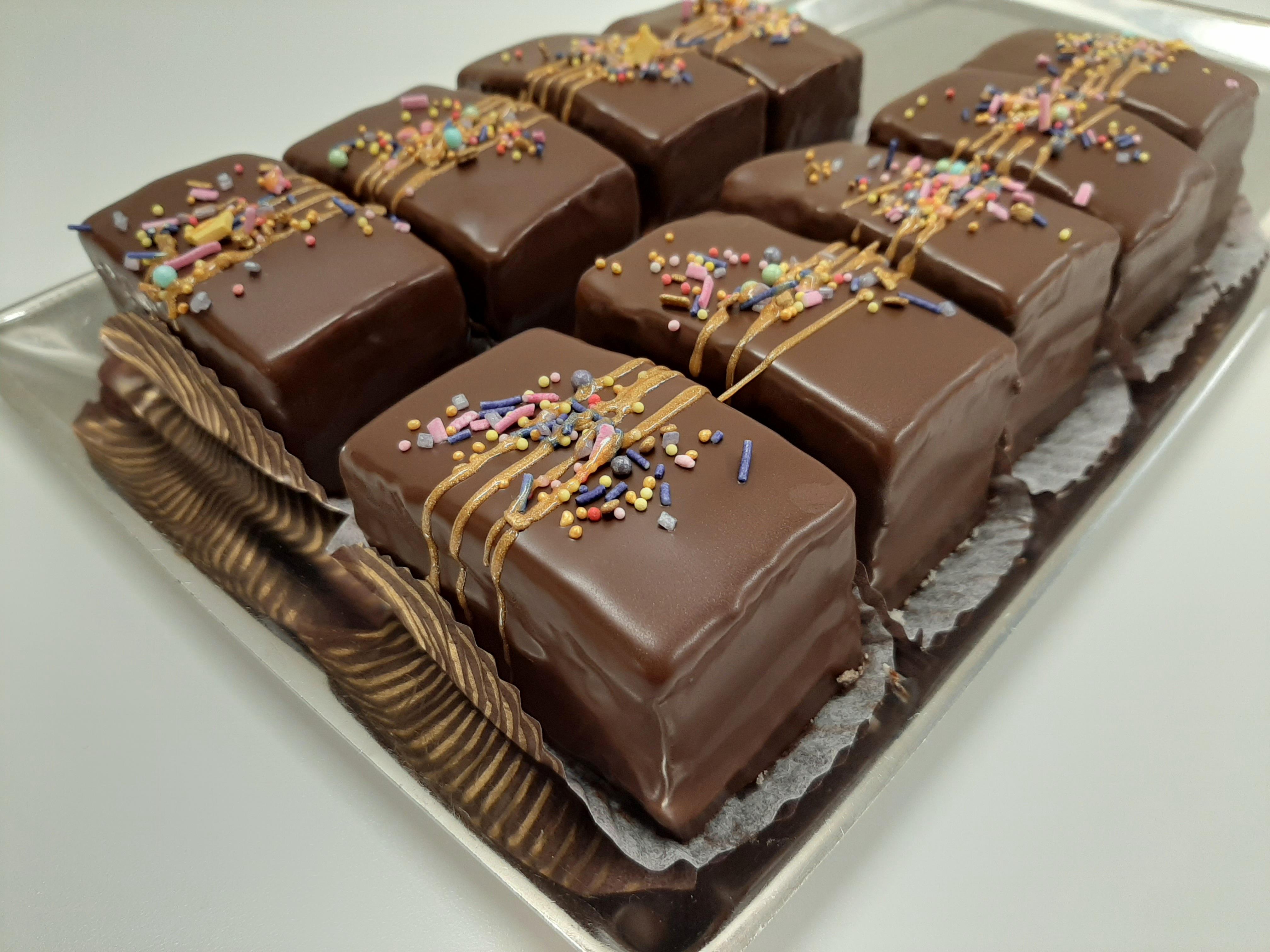 Glaseerattu suklaaleivos