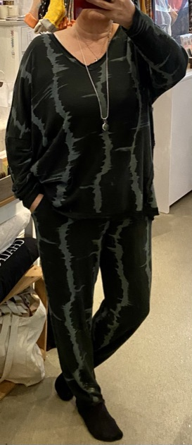 Fine soft knit lounge pants