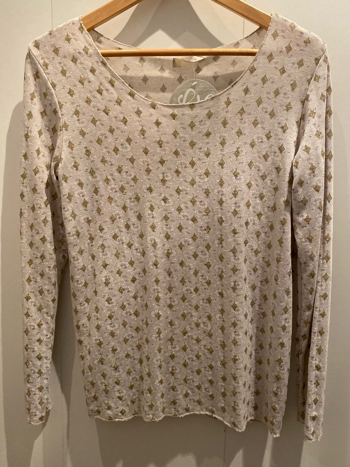 Diamond print light weight knitted top