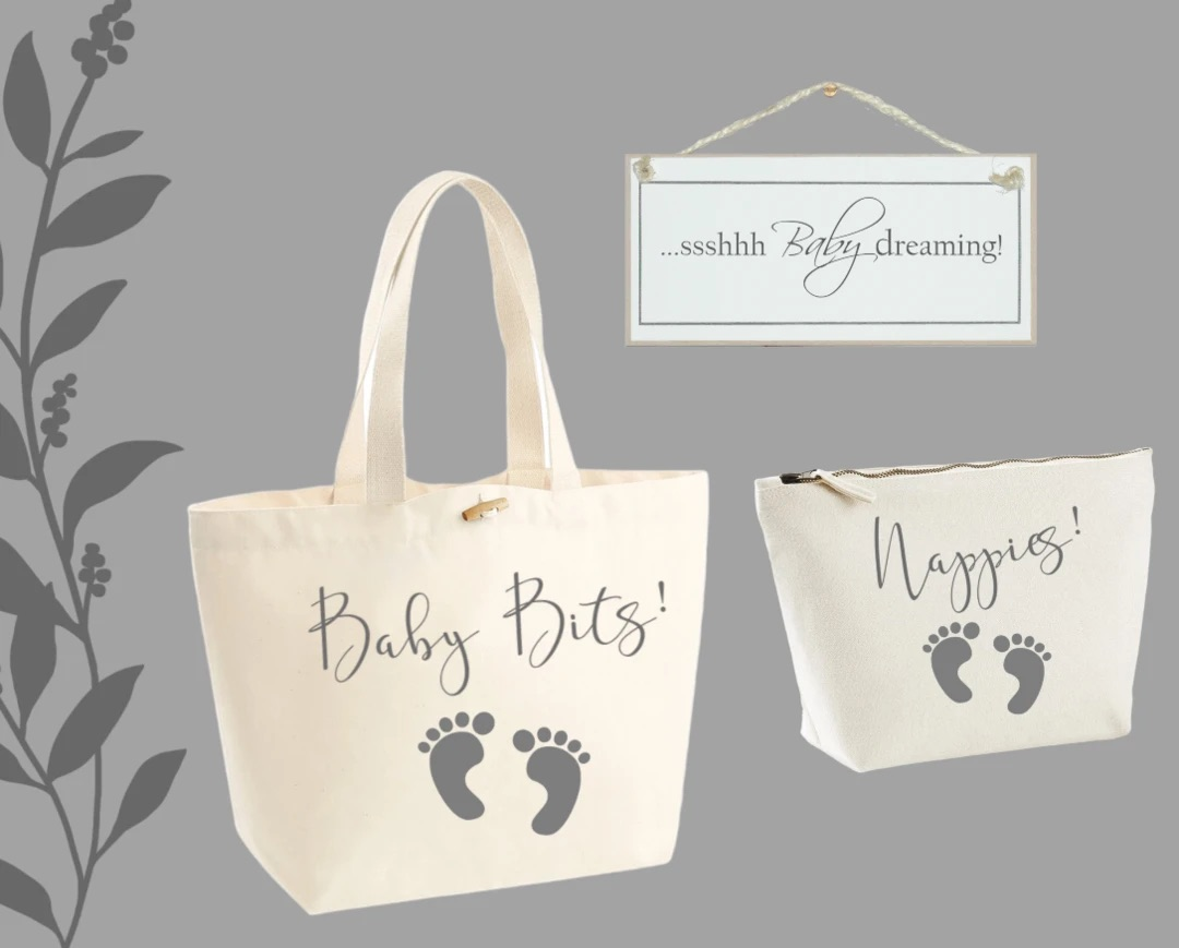 Shabby chic 'Ssshhh.....baby dreaming' sign