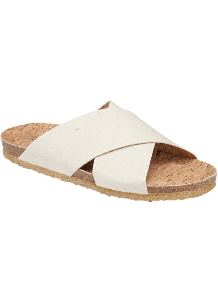 Sandal Ada