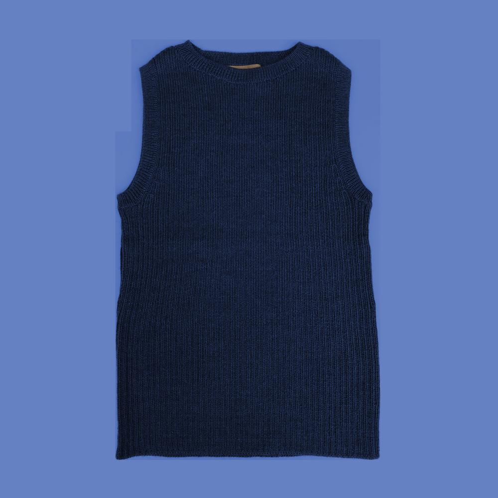 Esencia Vega Vest