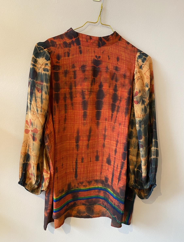 Skjorte med pufærme (silke)