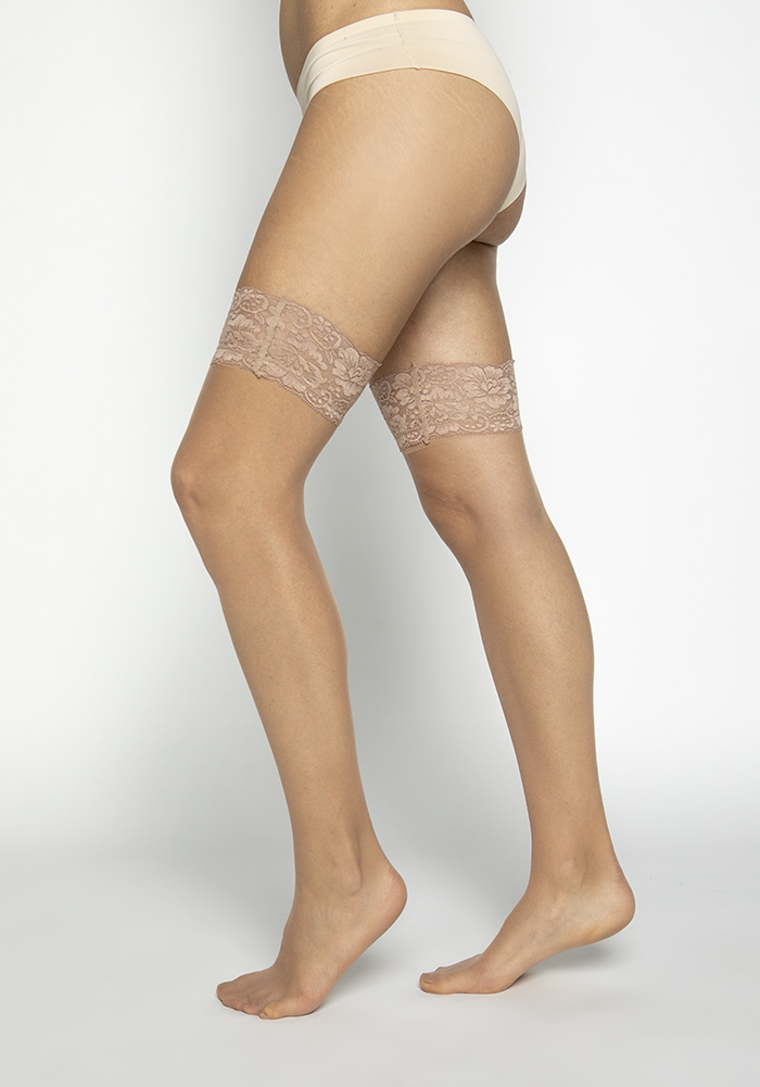 Mid-Length Stocking with Lace Detail