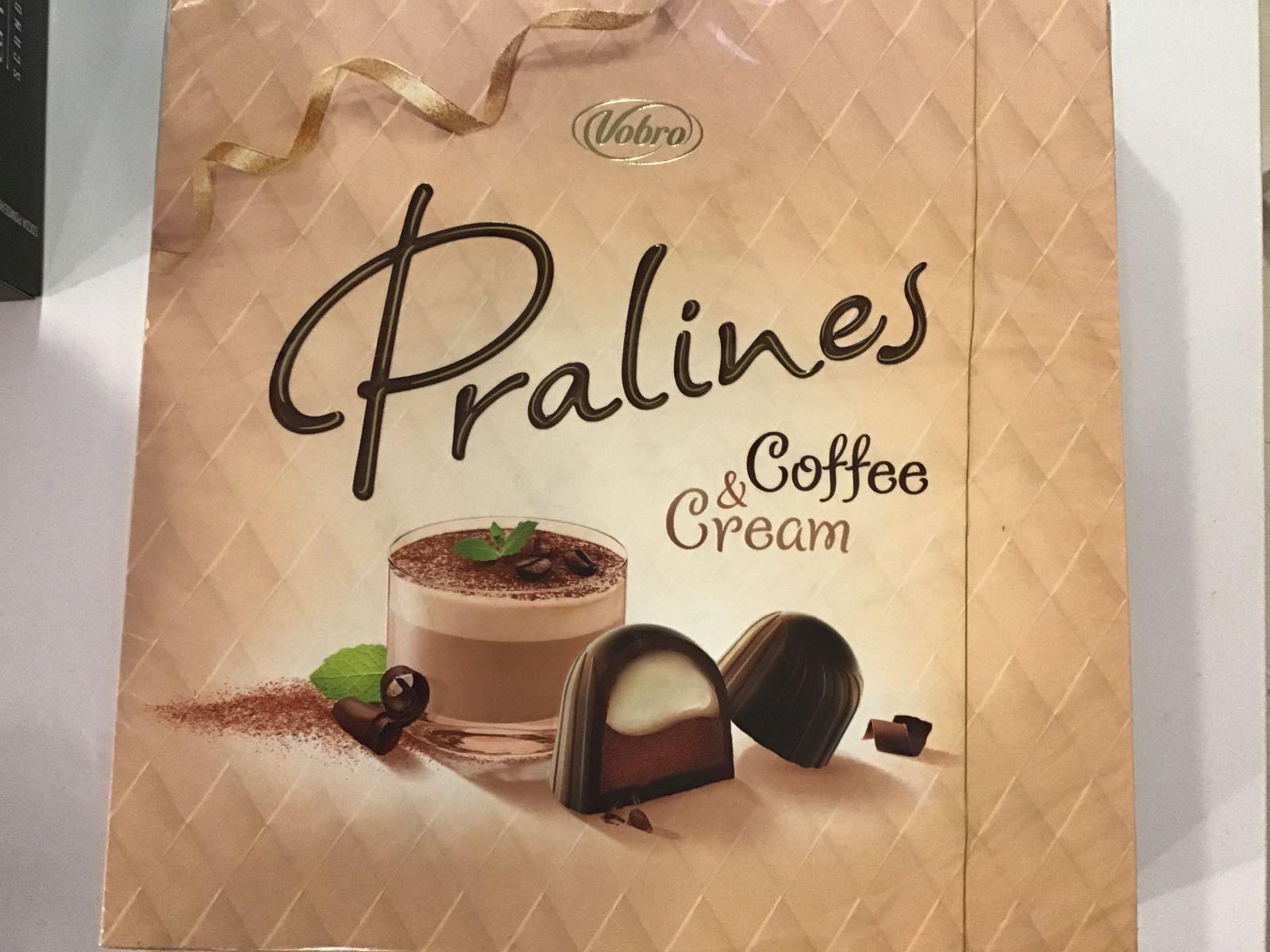 PRALINES kahvi&kerma