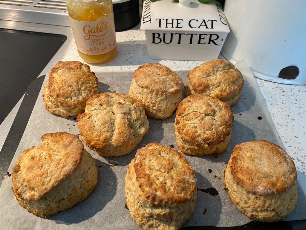 Box of 4 scones - Lemon and Lavender