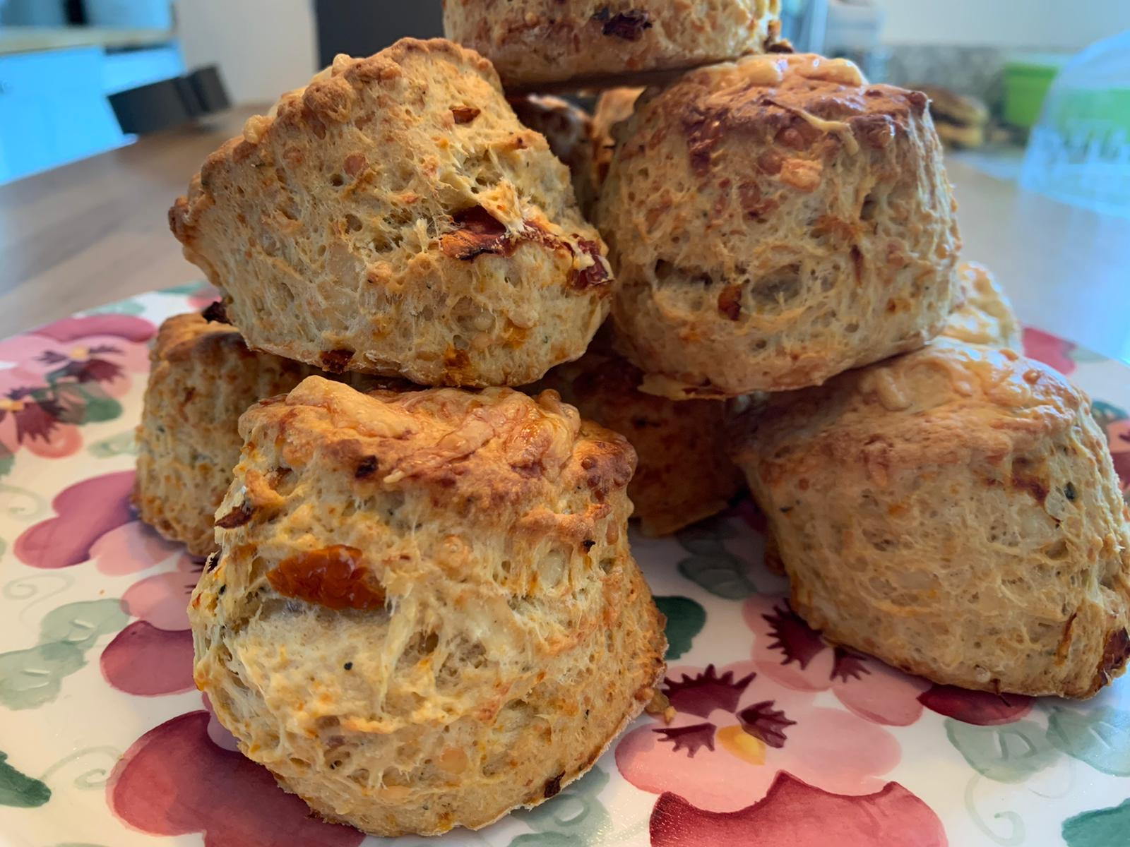 Box of 4 scones - Basil, Sun-Dried Tomato and Cheese