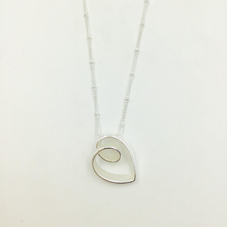 Loop Heart Necklace Silver