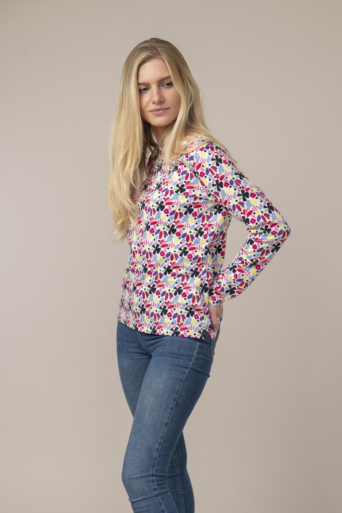 Lighthouse Causeway Breton Top - Abstract Floral