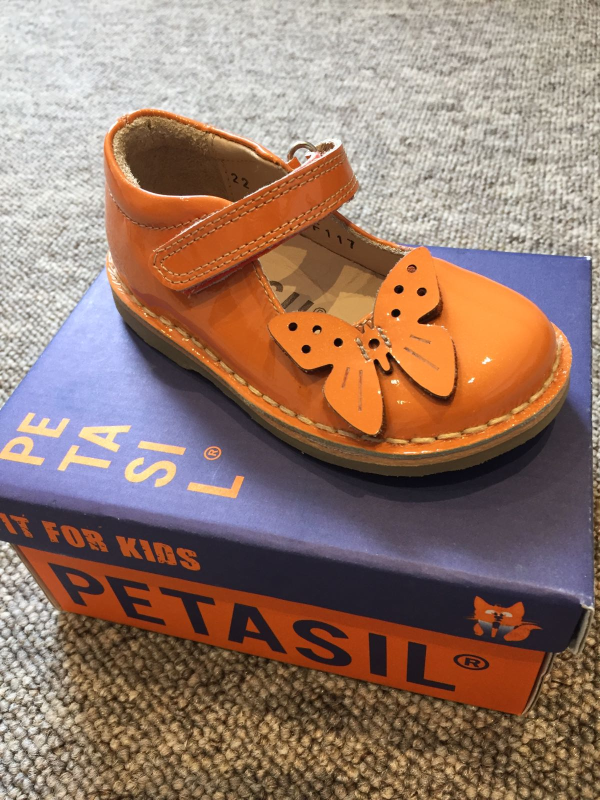 Petasil Cattlin/5722 Patent Orange