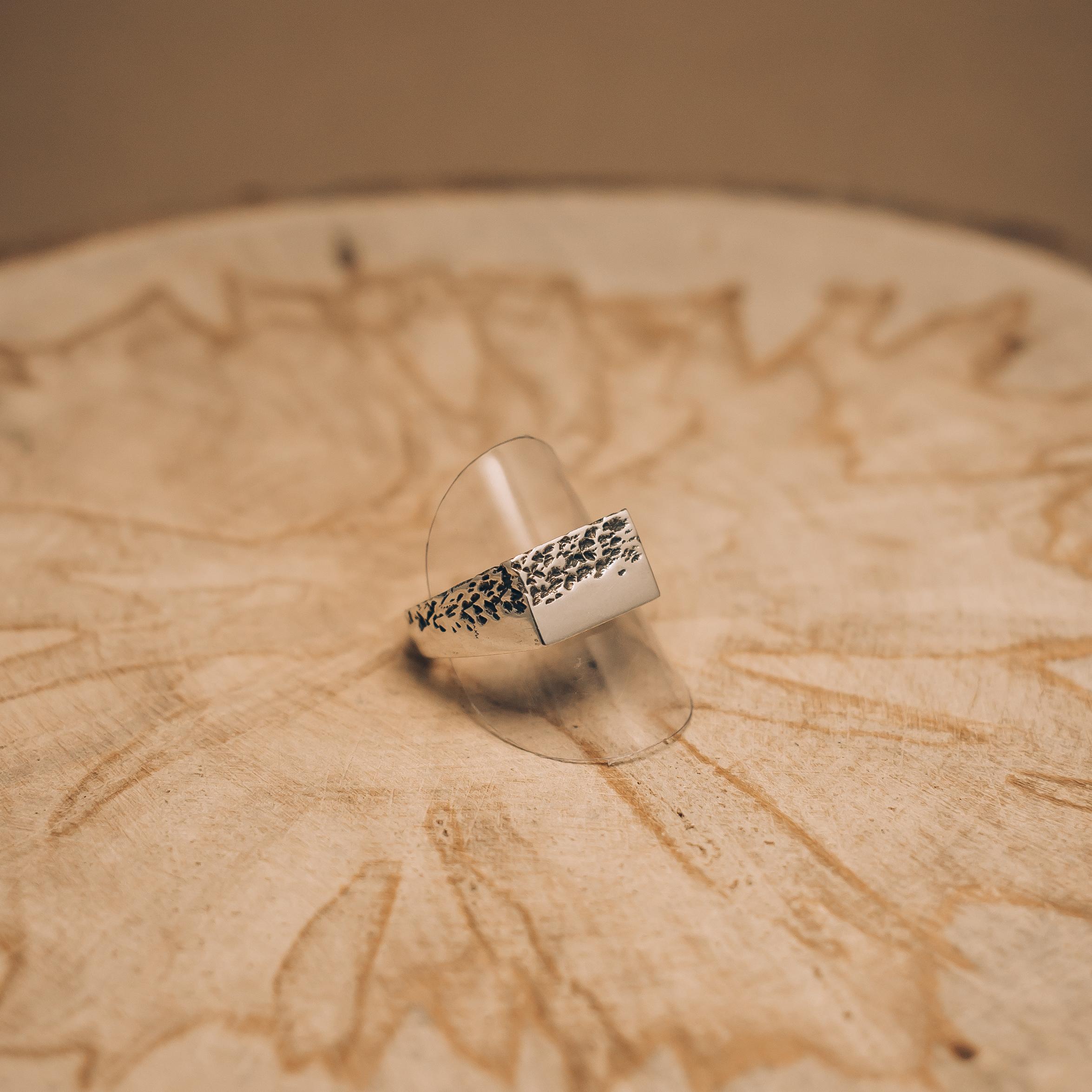 50/50 Crumbling Ring