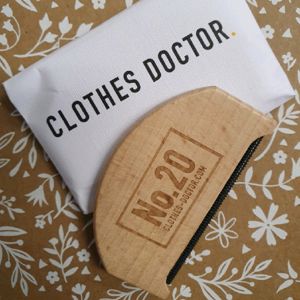 Clothes Doctor - CASHMERE COMB IN BEECHWOOD