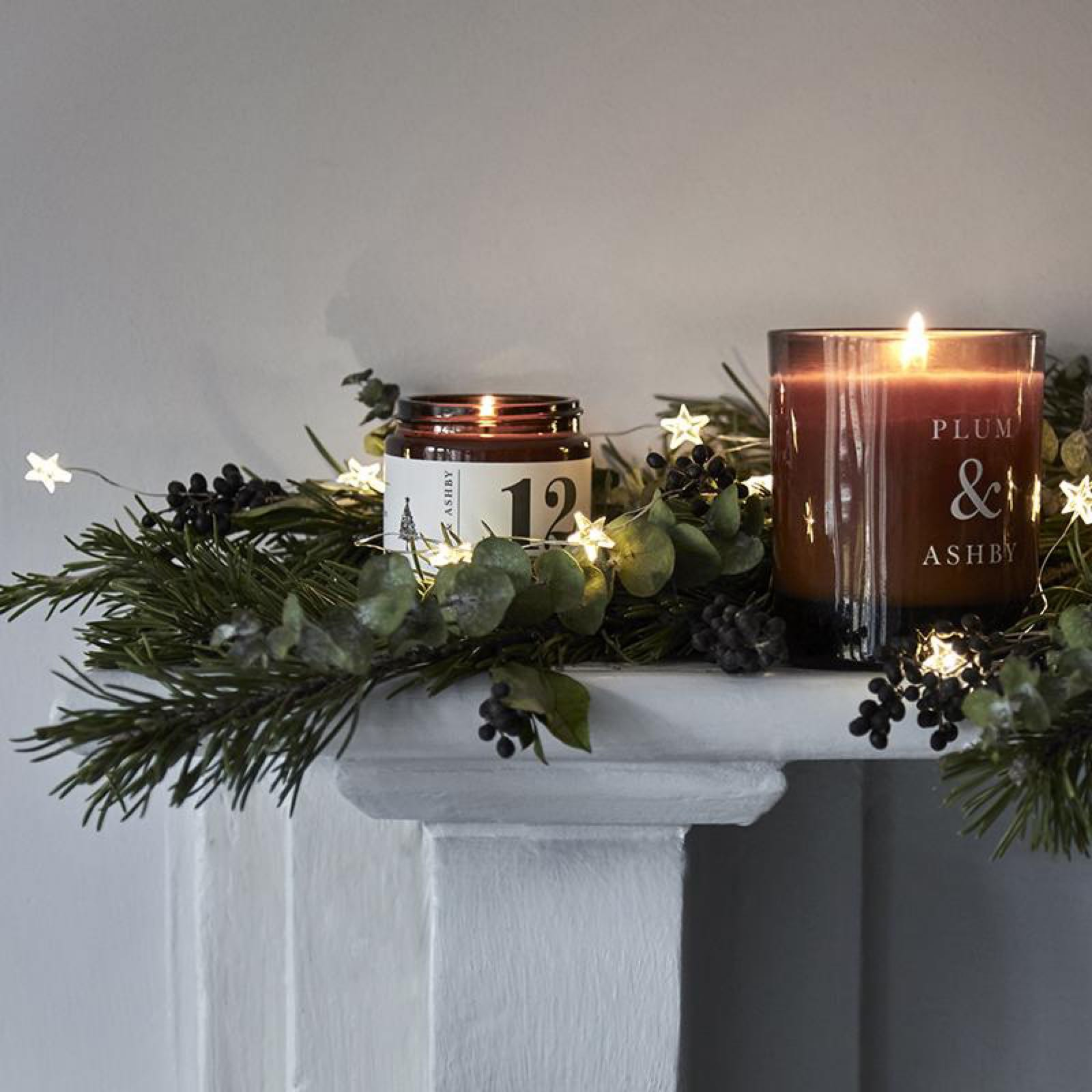 Plum & Ashby 12 Days of Orange and Nutmeg Christmas candle in a Jar  made with 100% natural plant wax 20 hours burn time, this Candle is sure to make you feel festive!