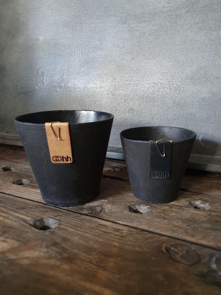 'Lotus Pot Minimini' Black (VP)