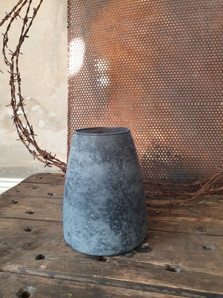 'Palma Conical Vase' Black (VP)