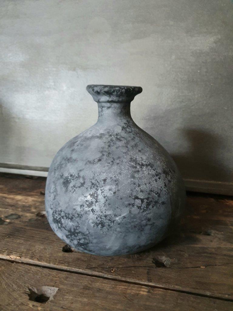 'Barcelona Bottle Vase' Black (VP)