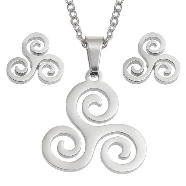 Celtic Trisklele Necklace and Earring Set