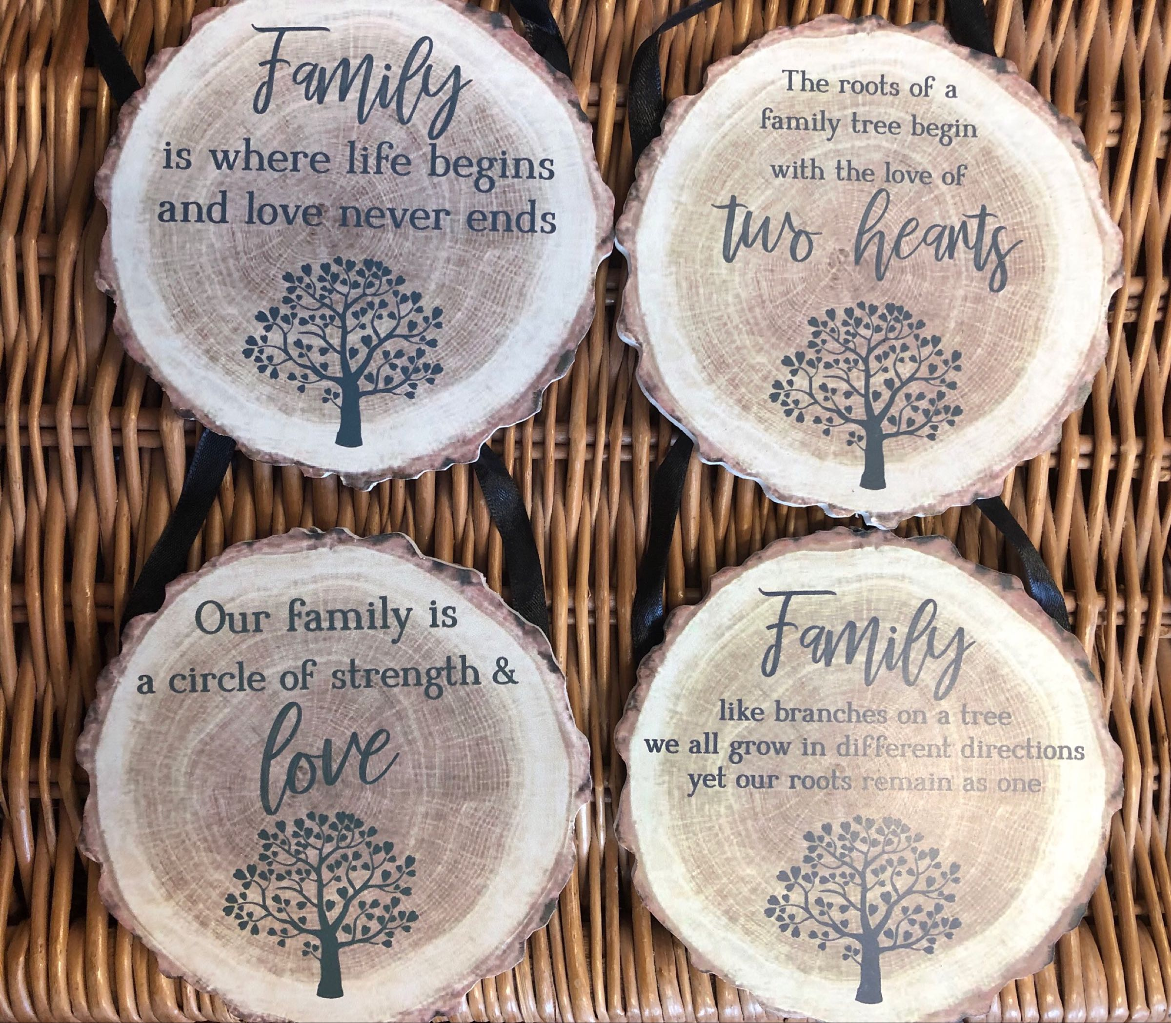 Log family quote hanging sign