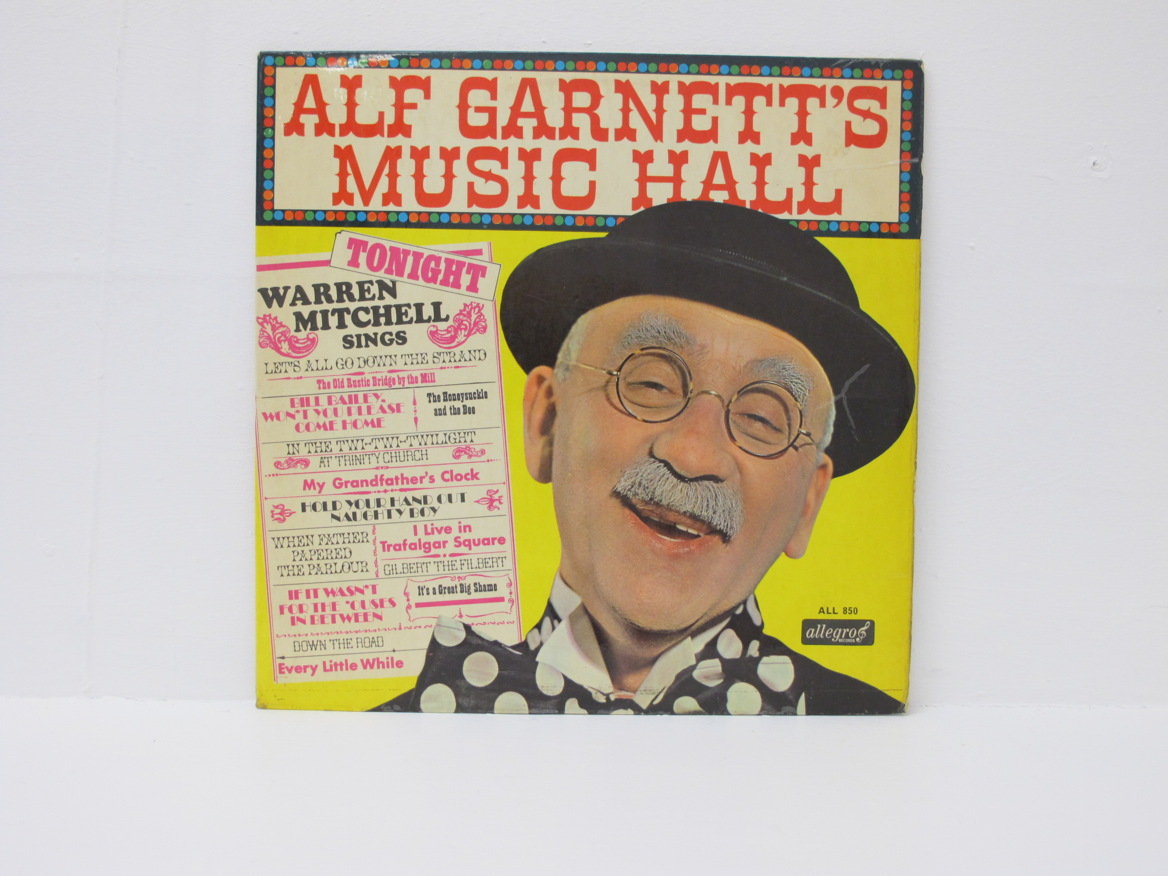 Alf Garnett - Music Hall