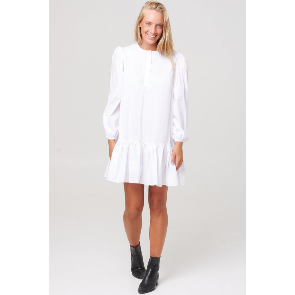 Noella Taven kjole hvit