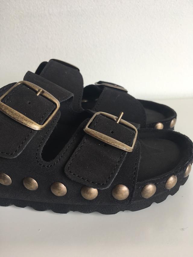Akiko black gold sandal