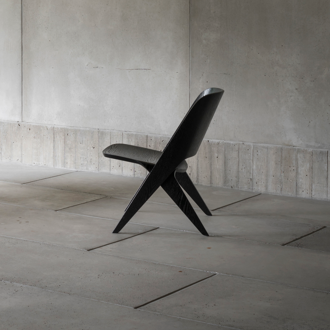 Lavitta Lounge Chair – Stained Black (–60%)
