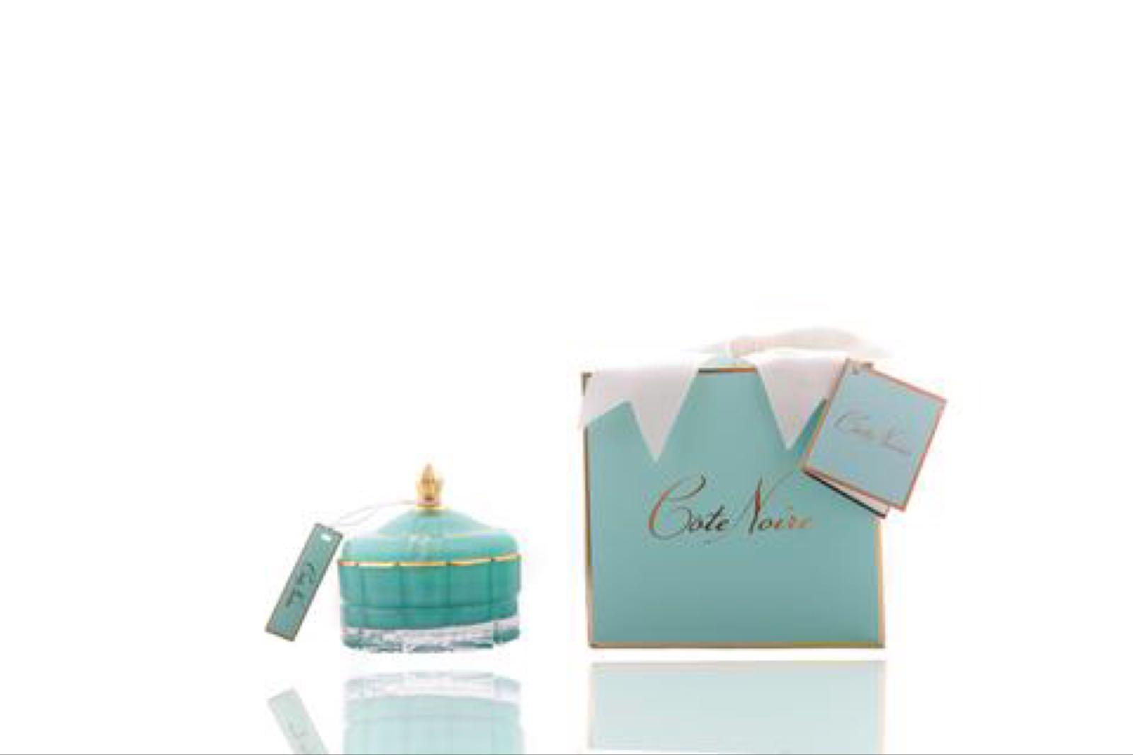 Cote Noire Art Deco candle white hydrangea in Blue