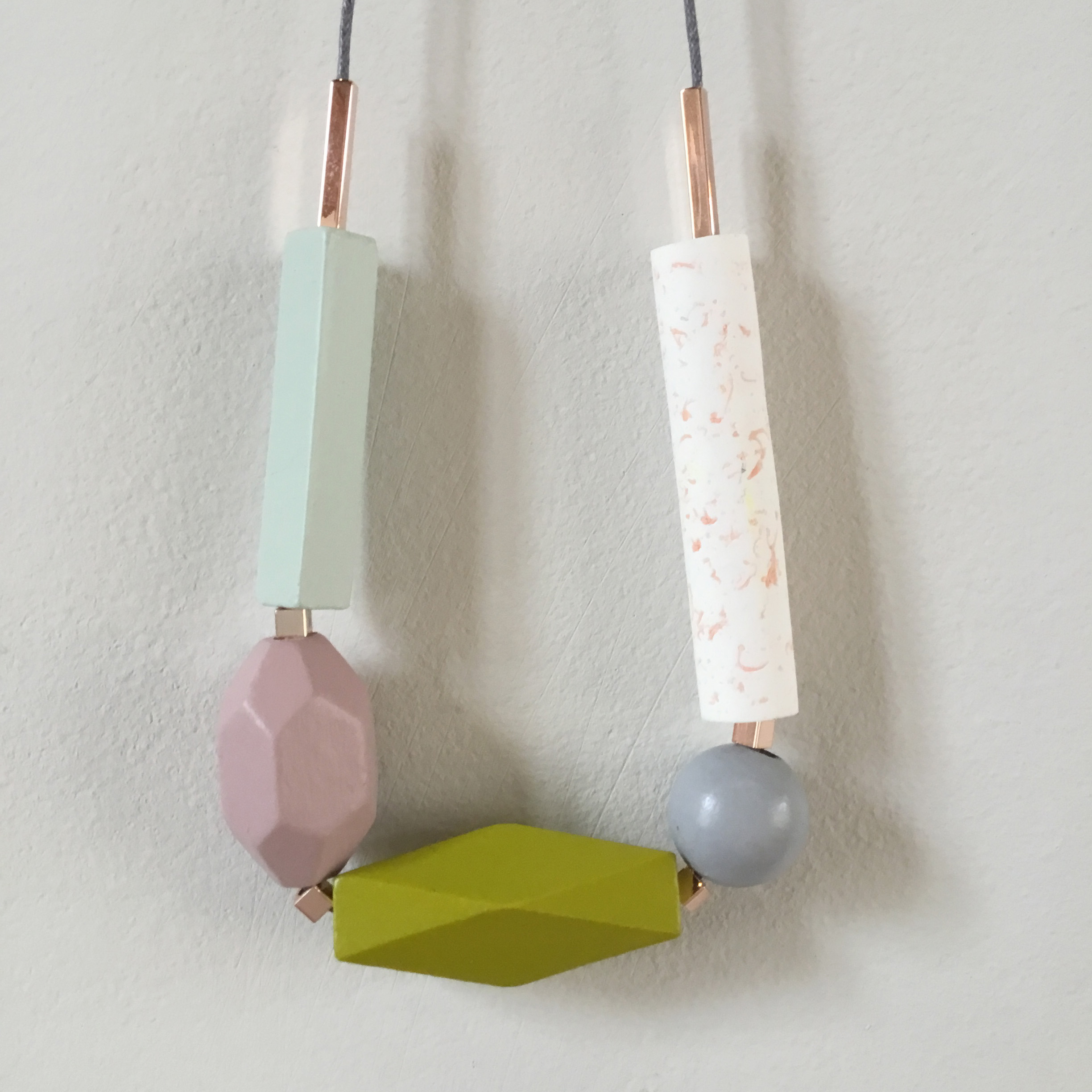 Geometric Speckled Necklace