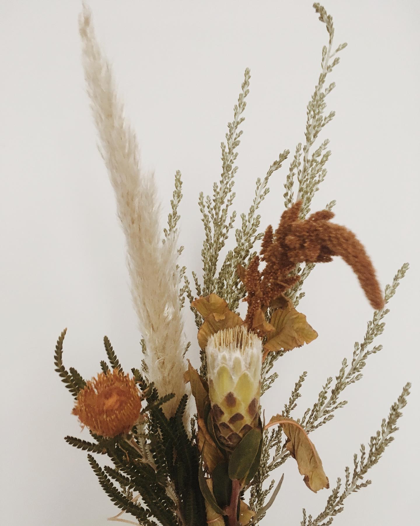 Autumnal flower posie