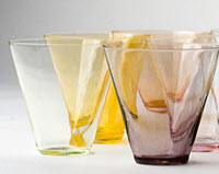Modern glass in several colors, less Sia Mai