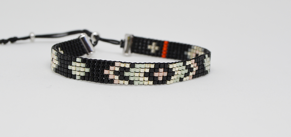 Bracelet, glass beads jackie black
