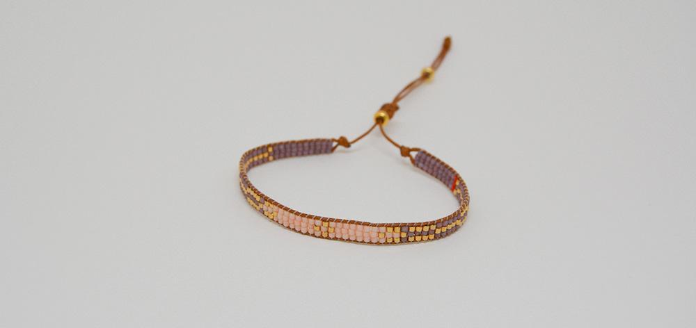 Bracelet, glass beads wall purple