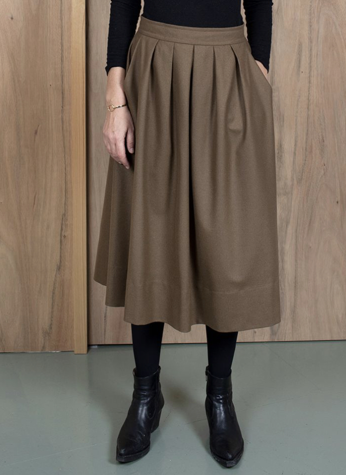 ASK X EMBLA Thora skirt in camel wool cashmere