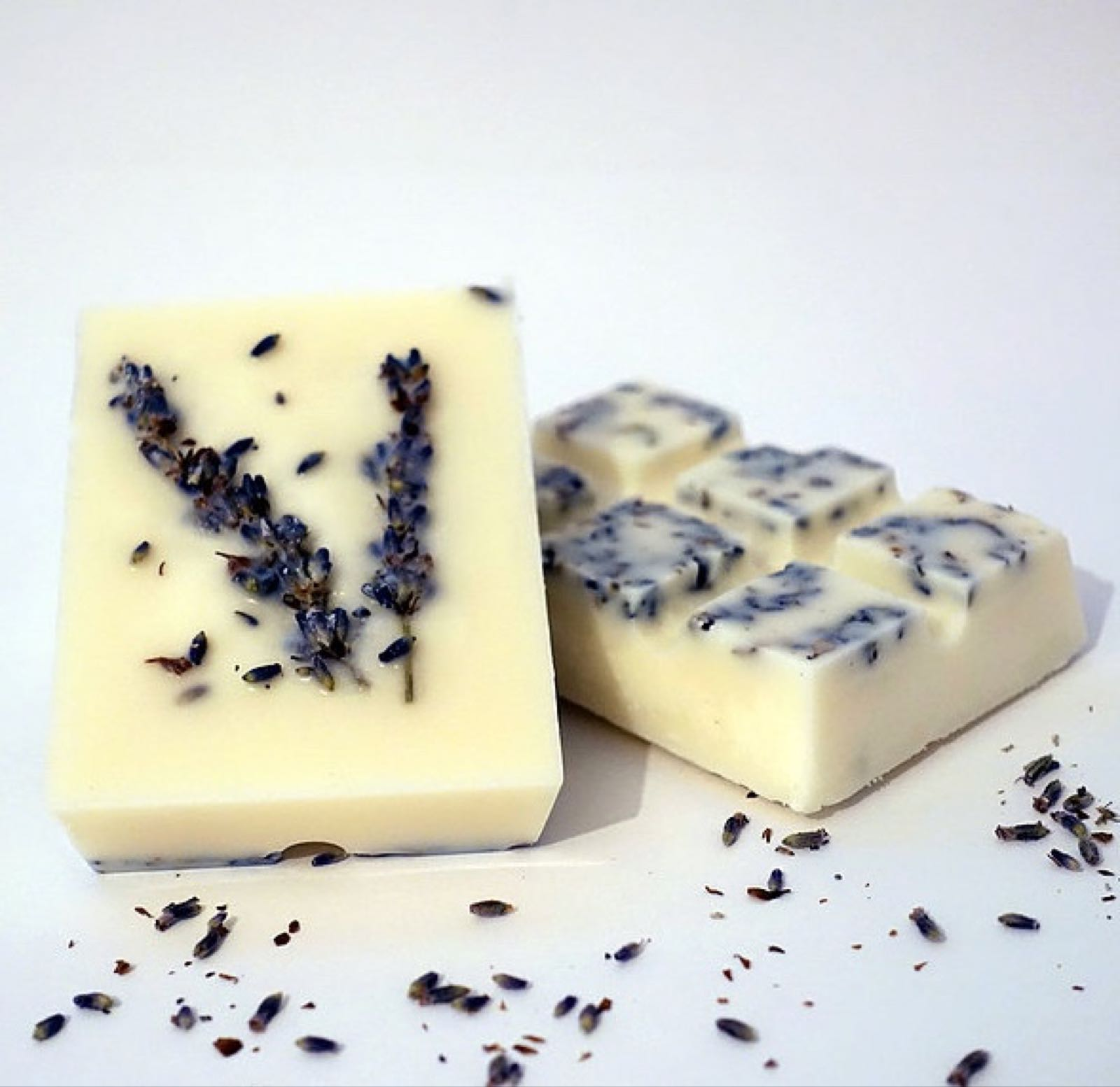 Lavender and Clary sage Wax Melts by The Candle Brand