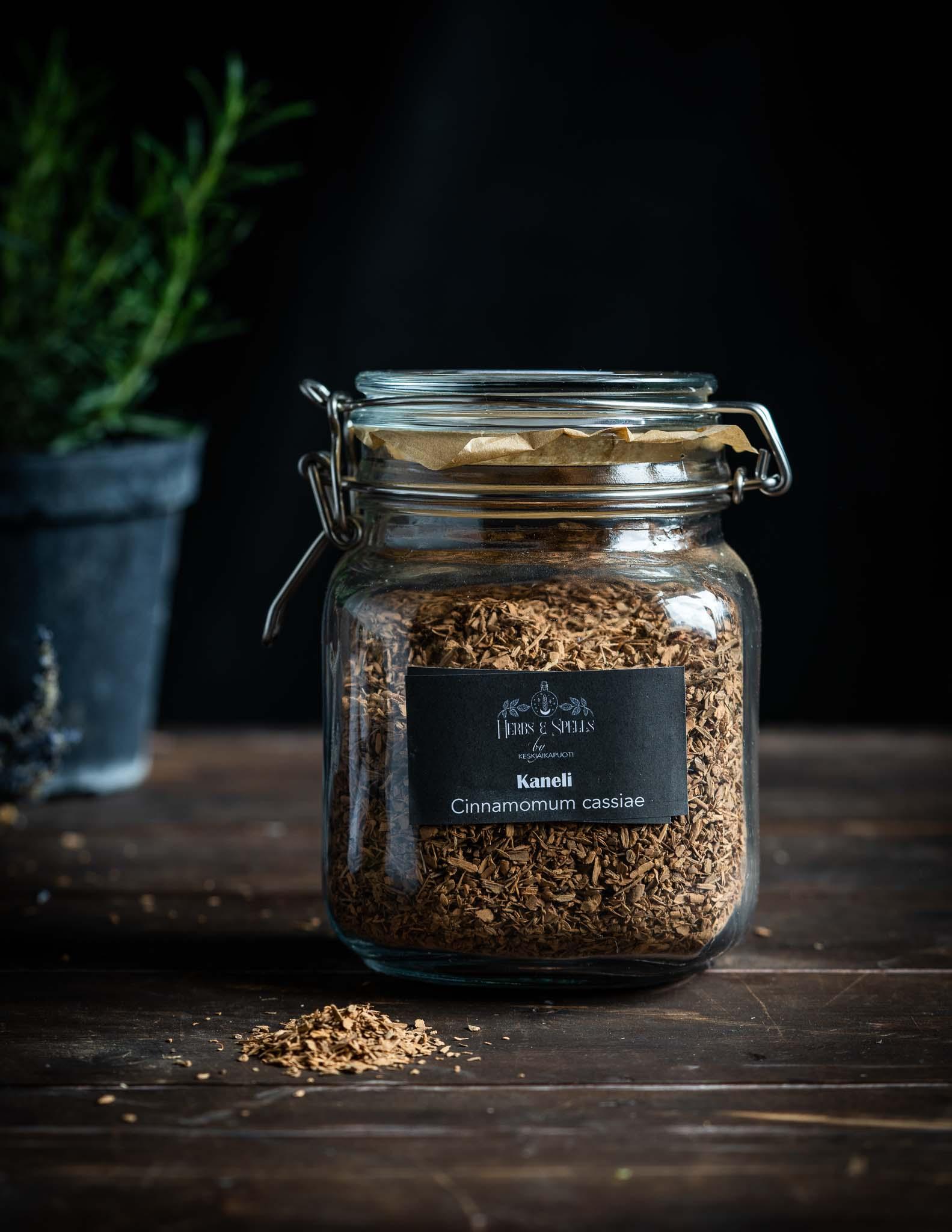 Kaneli - Cinnamomum cassiaem (Herbs&Spells by keskiaikapuoti)