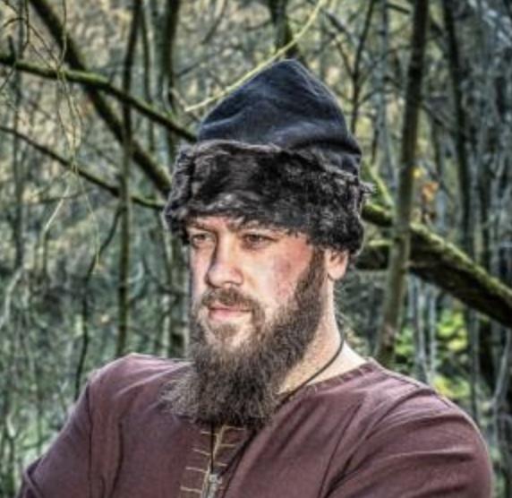 """Viikinkihattu """"Ulf"""" turkiksella"""