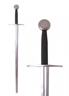 Puolentoistakäden miekka huotralla