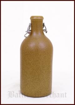 Keraaminen 0,5l pullo patenttikorkilla