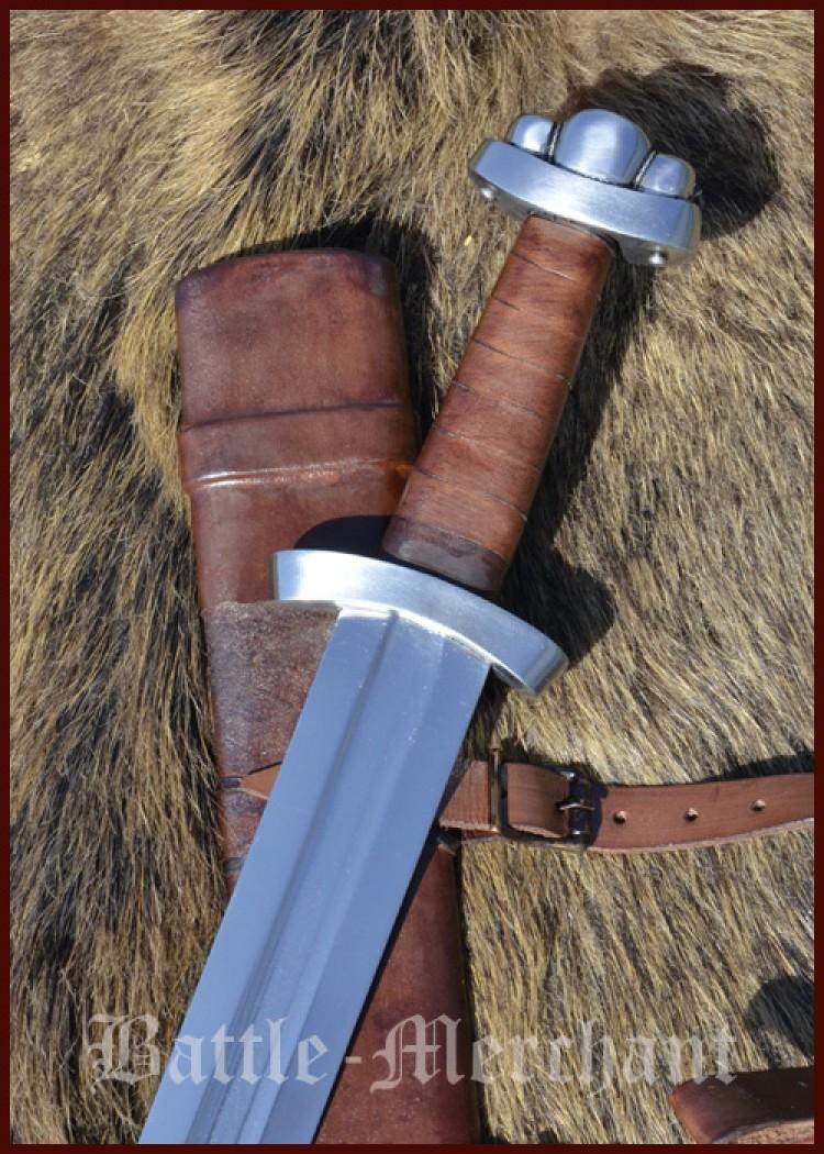 Varhaisviikinkiaikainen miekka Godfred huotralla, SK-B blunt