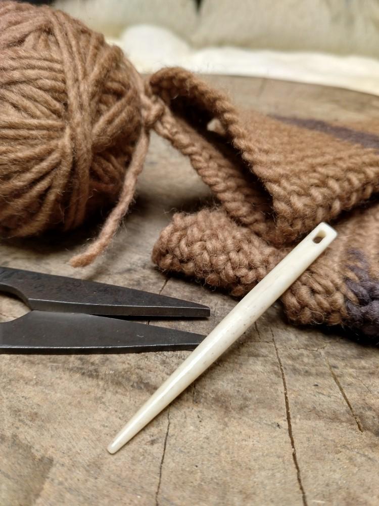 Kinnasneula / Knitting Needle / Large Sewing Needle from Bone for Nålebinding