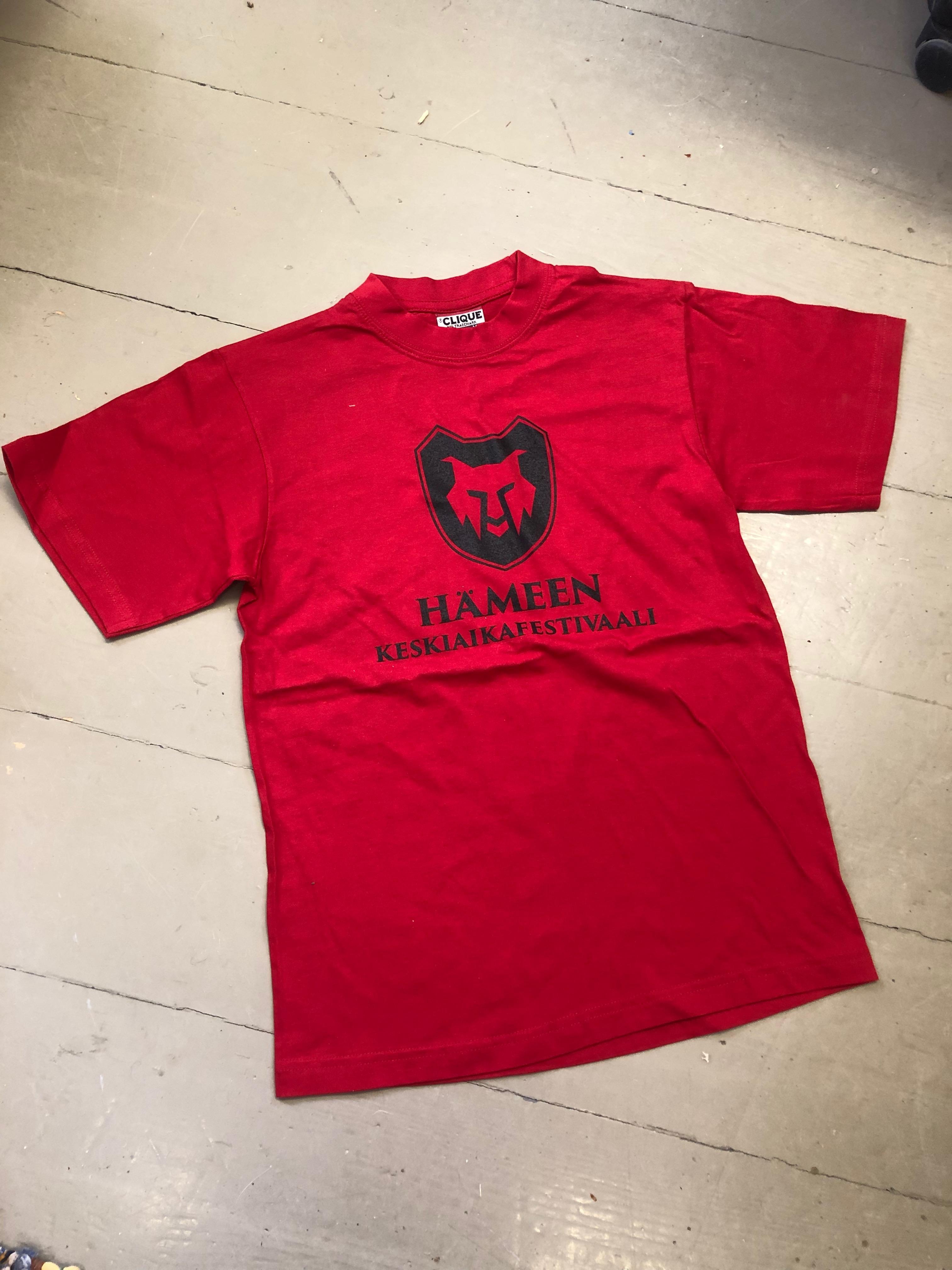 T-paita, punainen, Hämeen keskiaikafestivaali